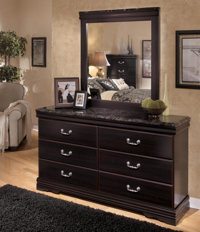 Signature Design by Ashley Esmarelda 6 Drawer Dresser with Faux