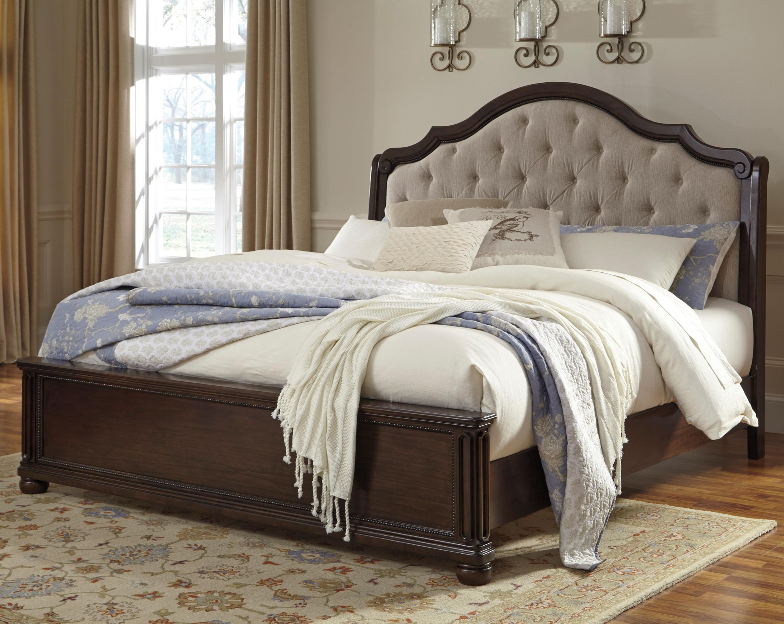 Signature Design By Ashley Furniture Moluxy Queen Bed With