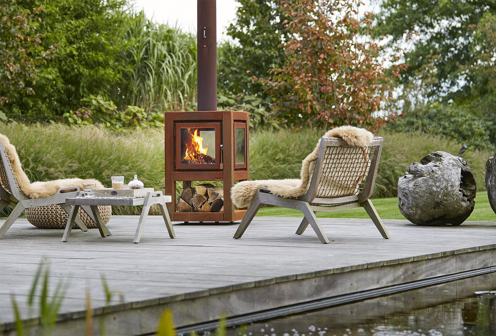 best outdoor fireplaces and fire pits
