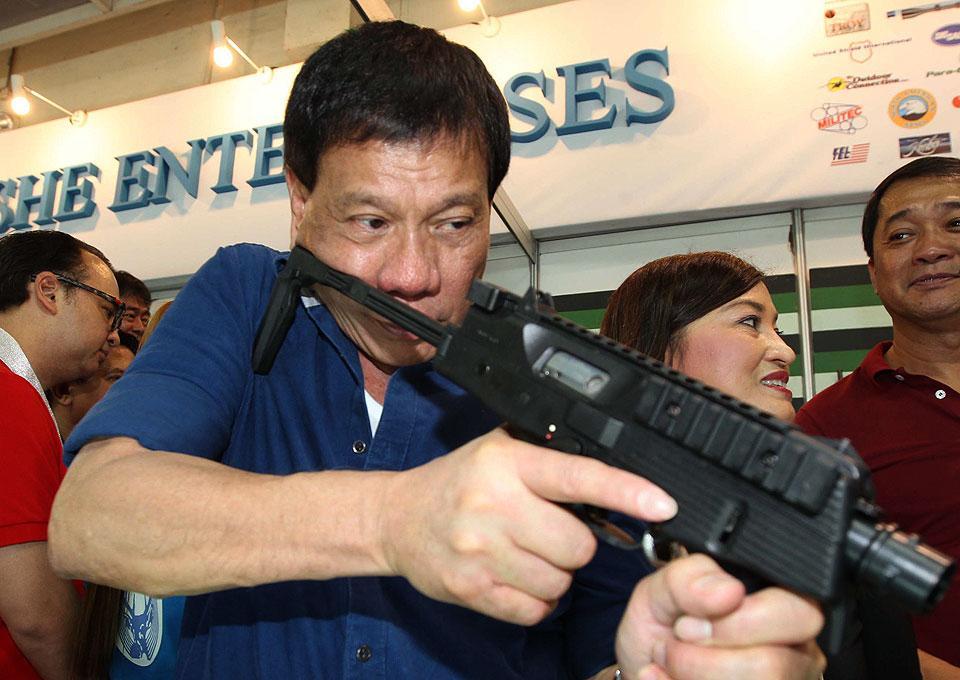 Duterte es un predecible amante de las armas