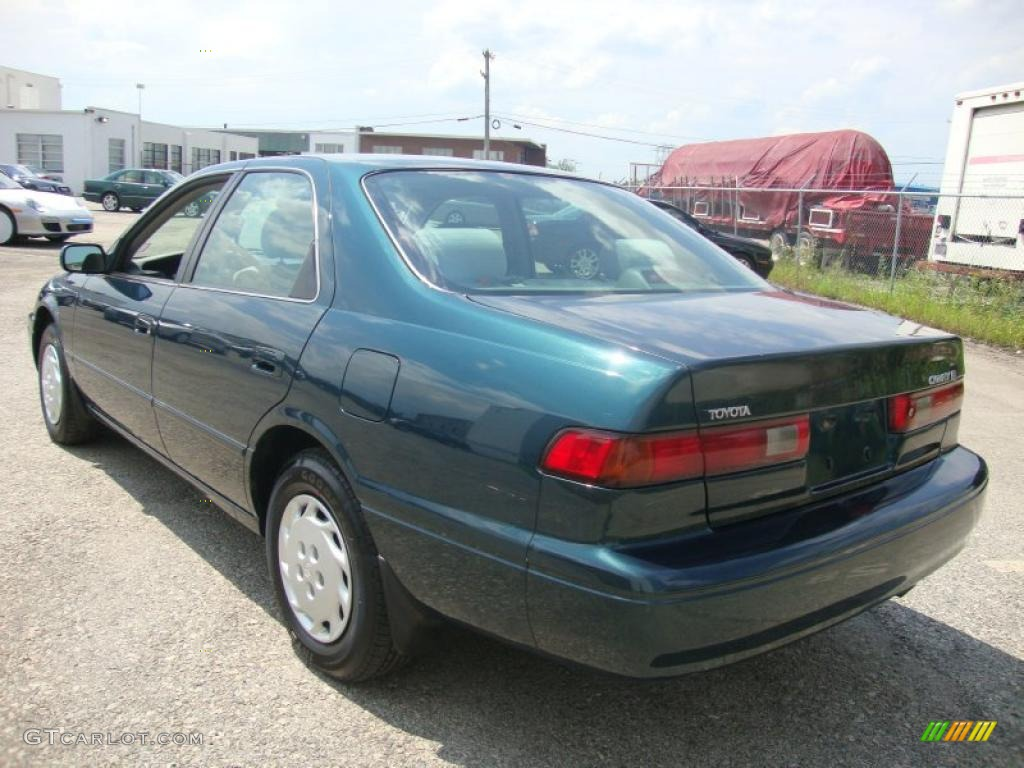 1997 Classic Green Pearl Toyota Camry LE 32053949 Photo
