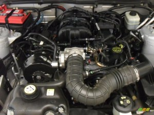 2005 Ford Mustang V6 Deluxe Convertible 40 Liter SOHC 12
