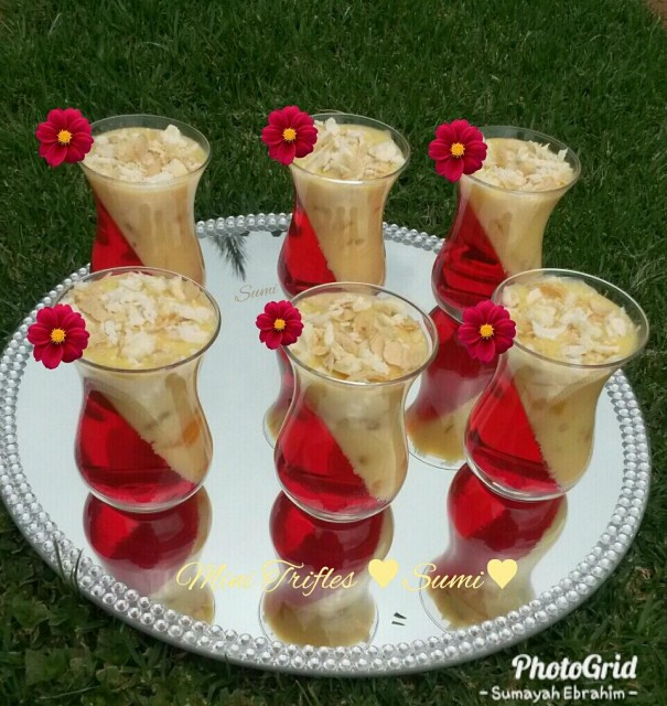 Mini Trifles Quick Amp Easy By Sumi Recipe By Sumayah