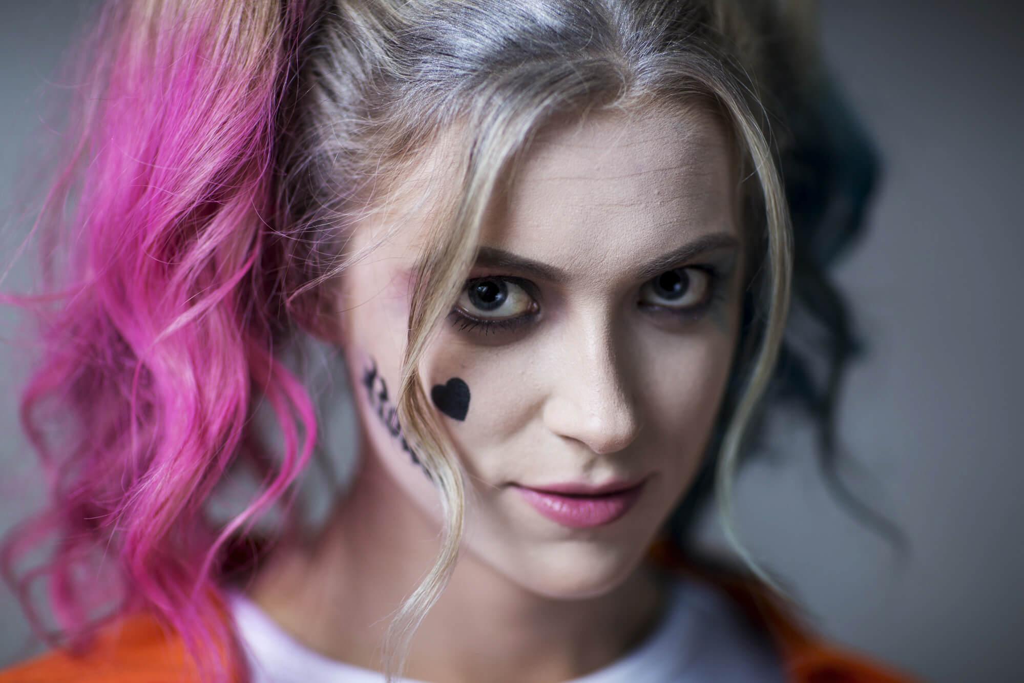 DIY Harley Quinn Makeup Amp Hair Tutorial Suicide Squad Prison Jumpsuit Halloween Costumes Blog