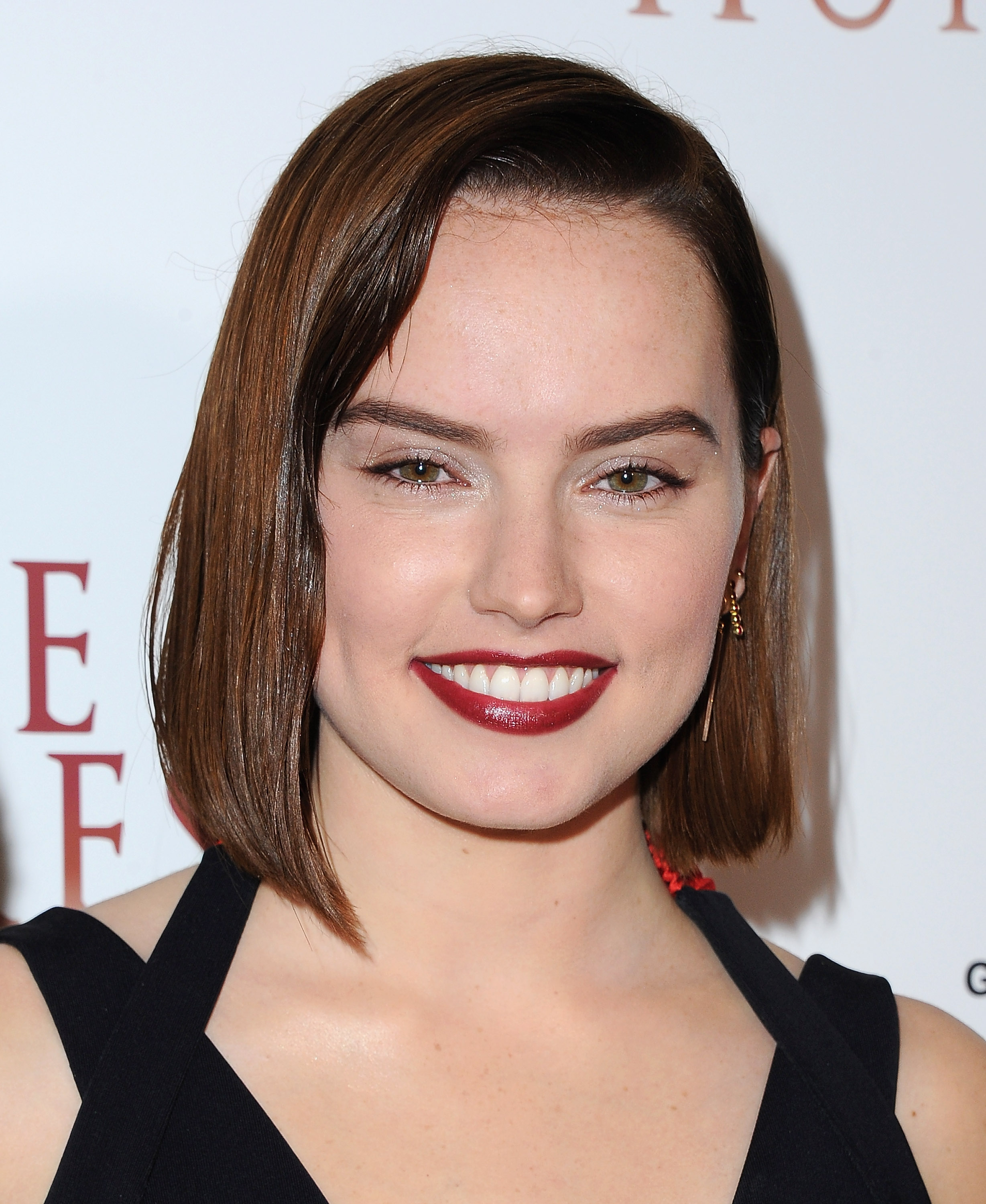 Daisy Ridleys New Haircut Is So Sharp It Could Cut Glass