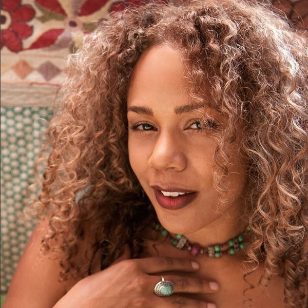 """People are losing it over how gorgeous Rachel True from """"The Craft"""" is, and we mean…duh!"""