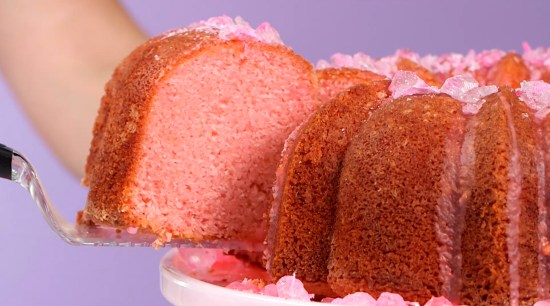 This grapefruit seltzer cake is a modern twist on 7Up cake