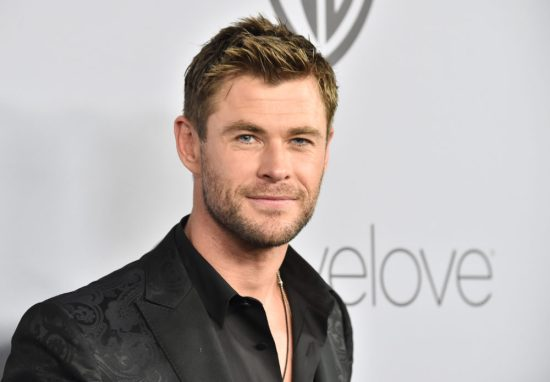 "Chris Hemsworth dancing to Miley Cyrus's ""Wrecking Ball"" (which may or may not be about his brother) is a gift"