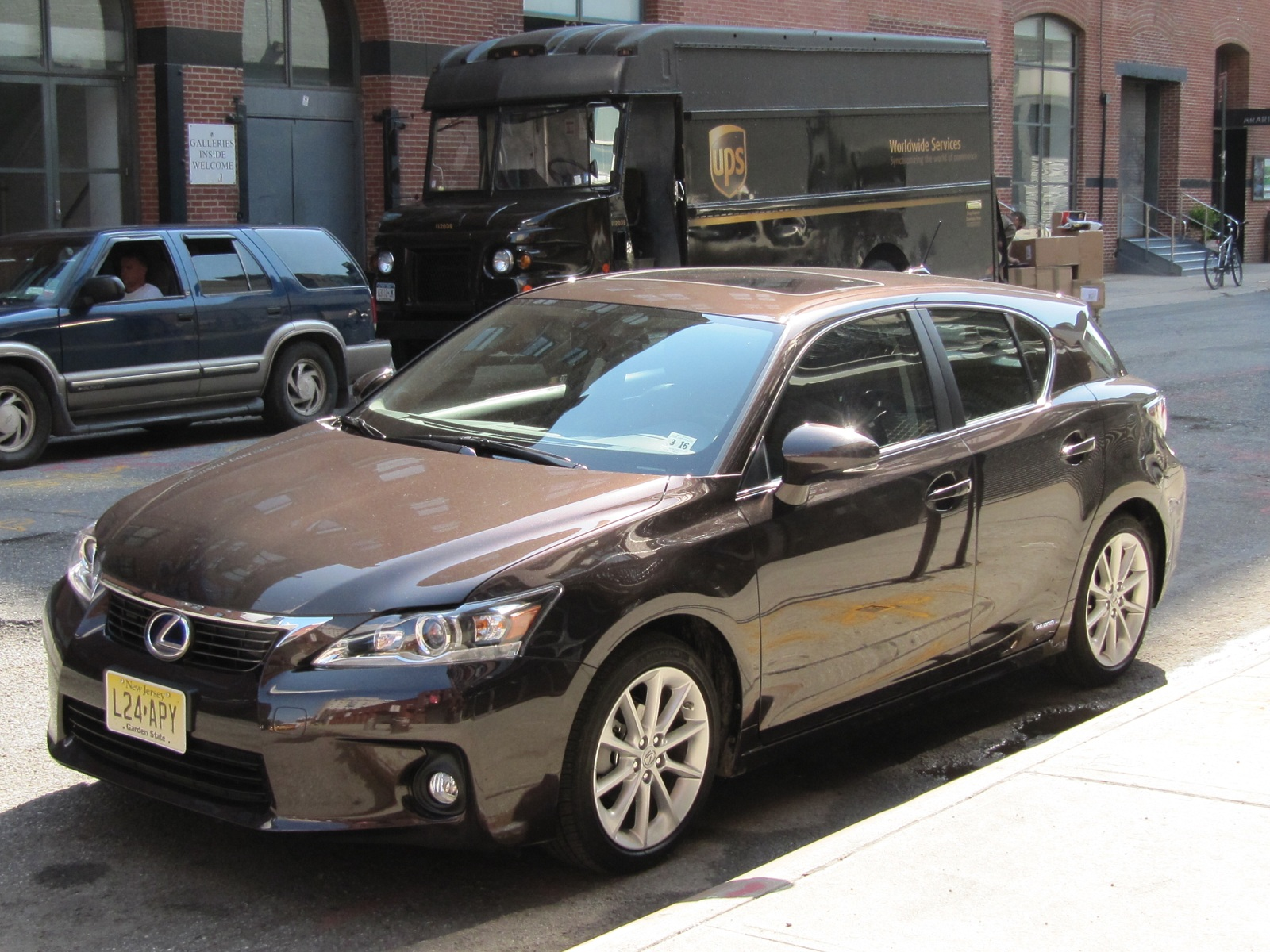 Which Hybrids Improve Gas Mileage The Most Lexus Lincoln Win