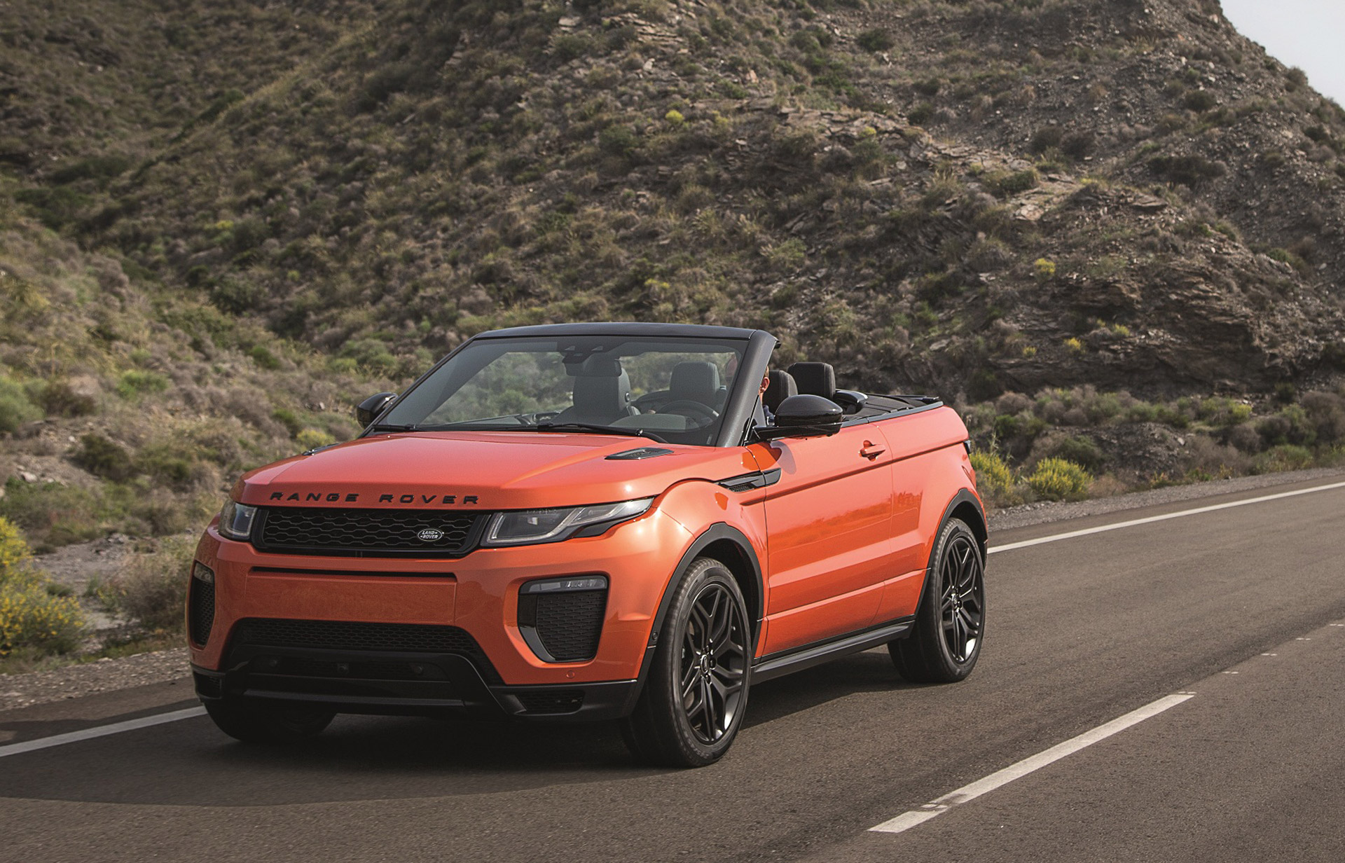 2017 Land Rover Range Rover Evoque Safety Review and Crash Test