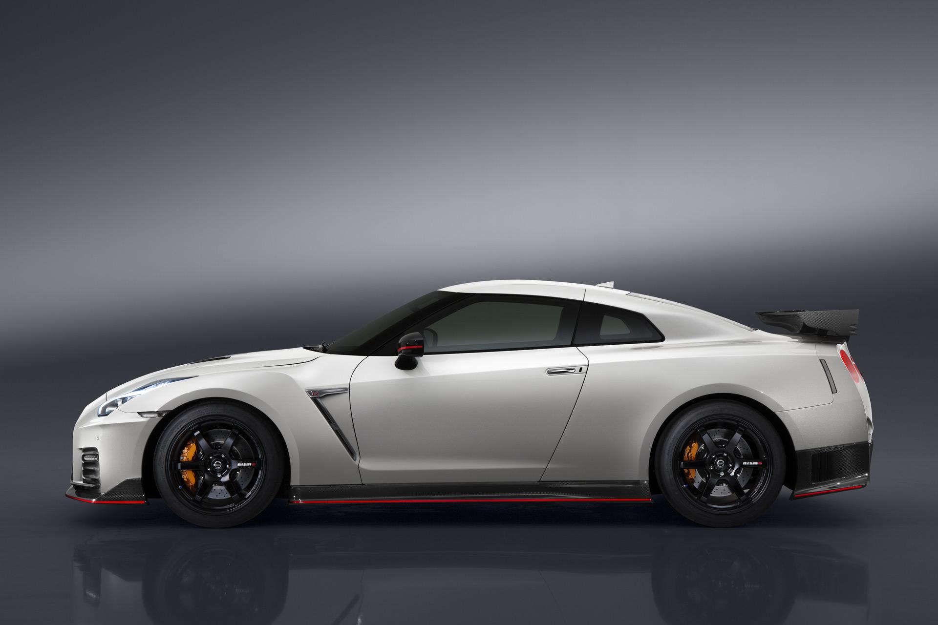 2017 Nissan GT R Nismo 2017 Bentley Continental GT Speed