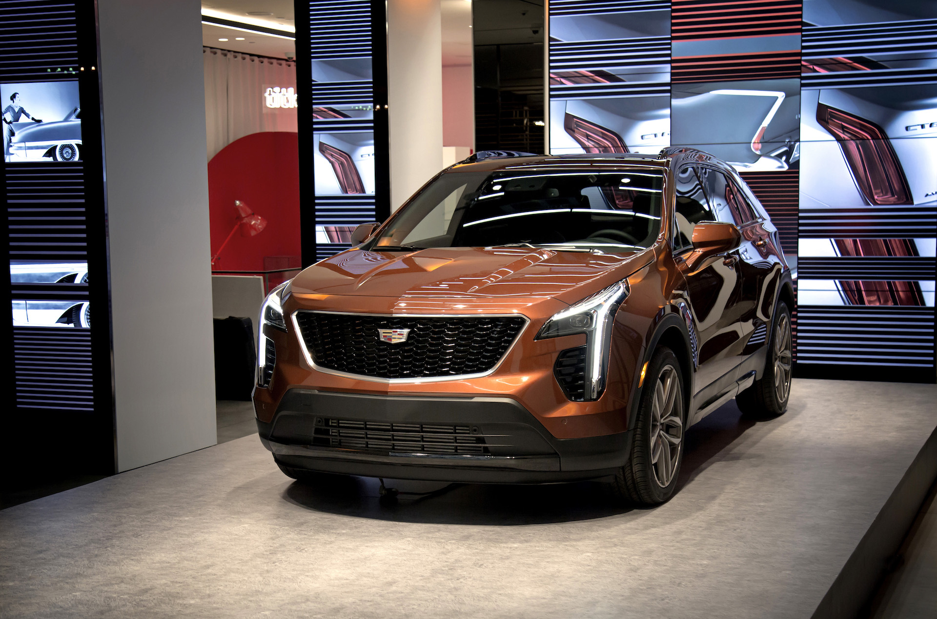 2019 Cadillac Xt4 Crossover Suv Looks Good Feels Like
