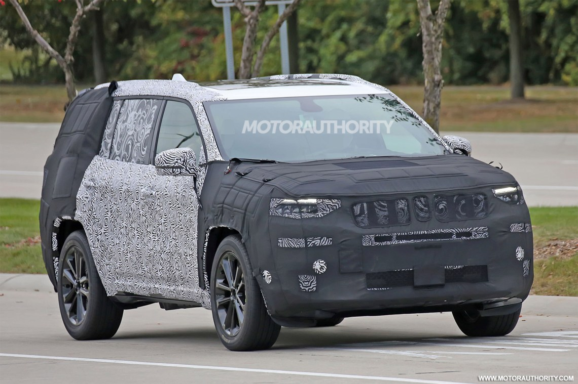 2019 jeep 3-row suv (yuntu) spy shots