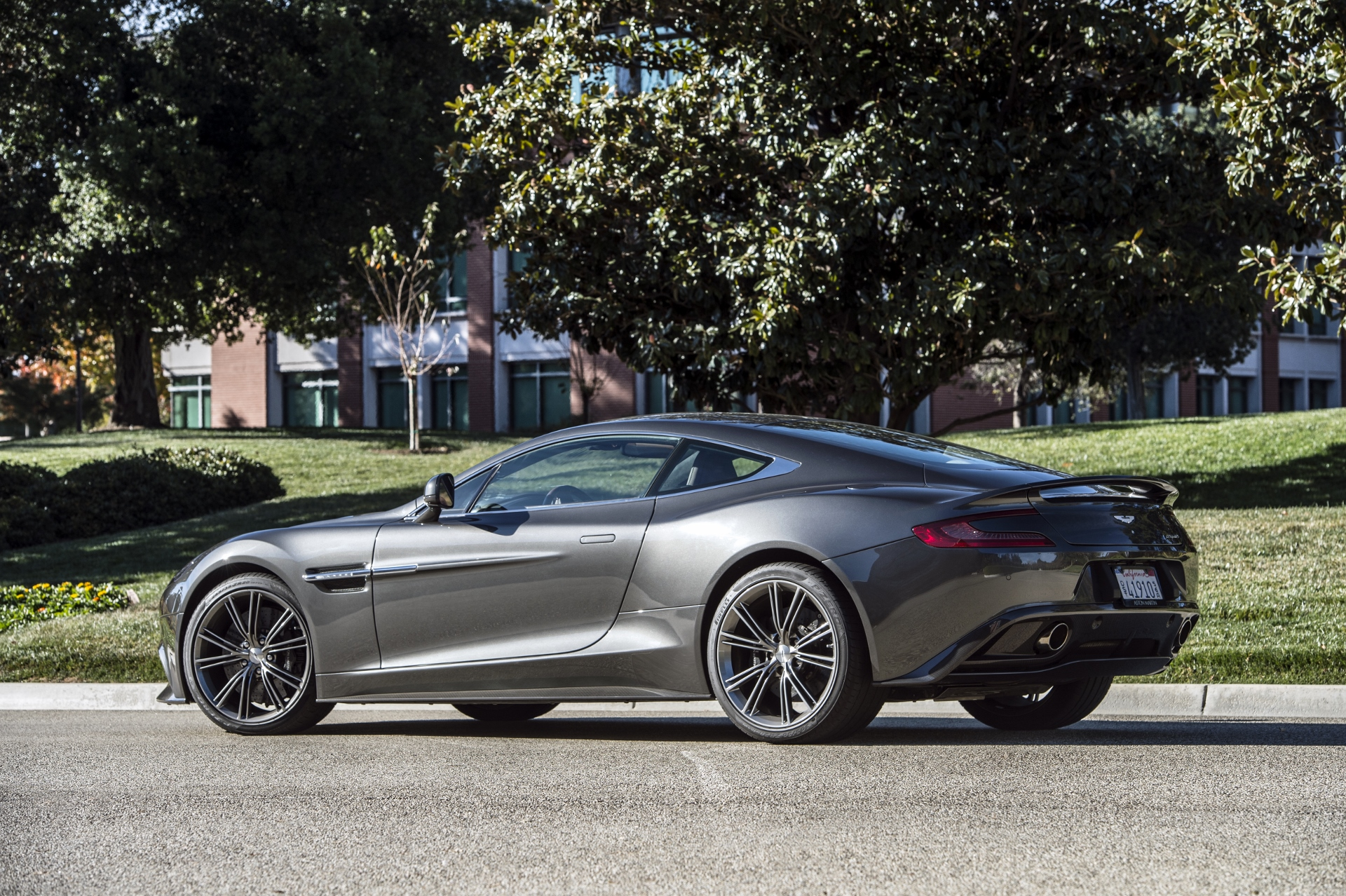 Aston Martin To Replace Vantage And Vanquish By 2018 Report