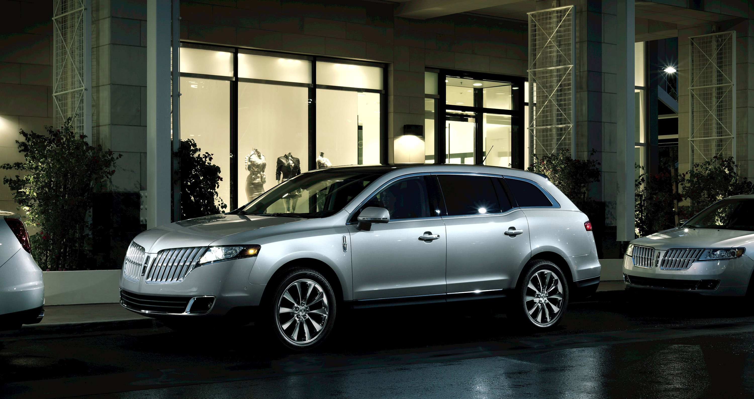 Ford Hopes Limo panies Will Replace Town Car With Lincoln MKT