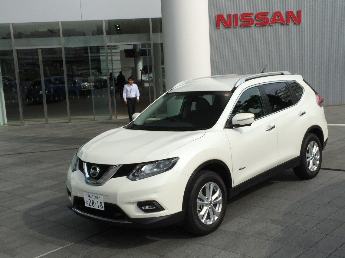 quick drive: 2017 nissan rogue hybrid previewedx-trail hybrid