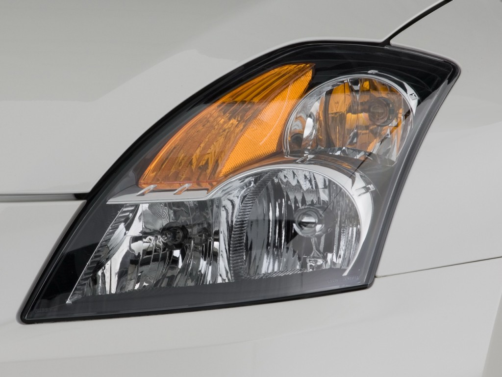 Image: 2008 Nissan Altima 4-door Sedan I4 Man Headlight