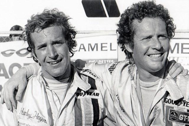 Hurley Haywood (left) with Peter Gregg
