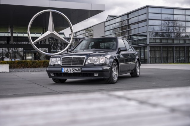 Mercedes-Benz 500 E.