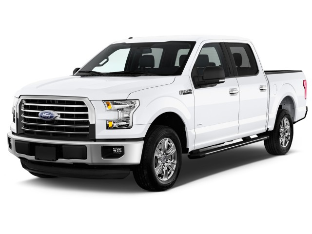 2017 Ford F 150 2wd Supercrew 145 Xlt Angular Front Exterior View
