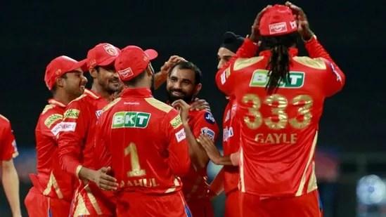 मोहम्मद शमी ने राजस्थान रॉयल्स को शुरुआती झटका दिया। (IPL)