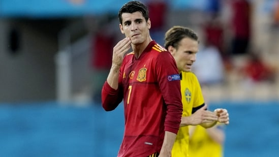 Alvaro Morata had only the goalkeeper to beat yet he dragged his low shot towards the far post wide.  This expression summed up La Roja's first half. (AP)