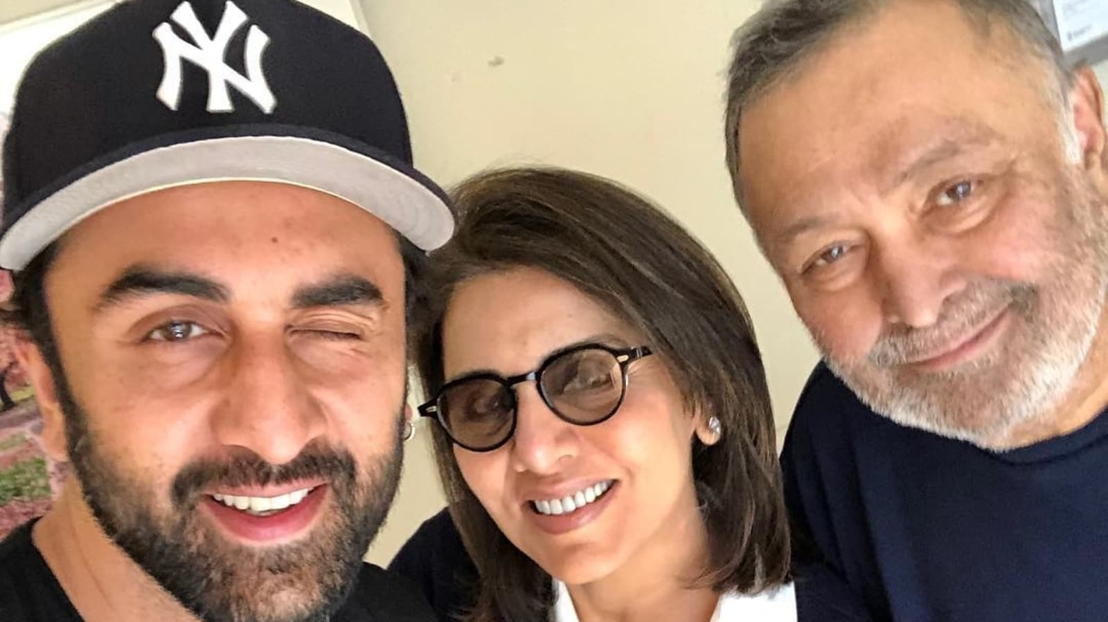 """Neetu Kapoor teases his son Ranbir Kapoor to call him every day, asks him to give a message to """"young people"""".  Watch    Bollywood"""