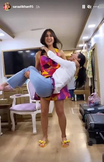 Sara Ali Khan deadlifts her friend(Instagram/saraalikhan95)