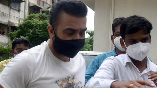 Raj Kundra paid police ₹25 lakh to evade arrest: Report | Mumbai news - Hindustan Times
