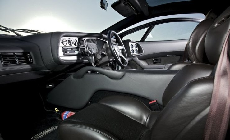 Jaguar XXJ220 interior