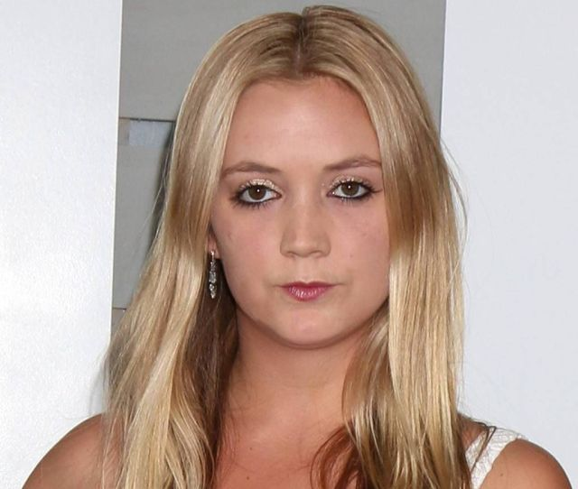 Billie Lourd Hottest Pictures And Sexy Wallpapers