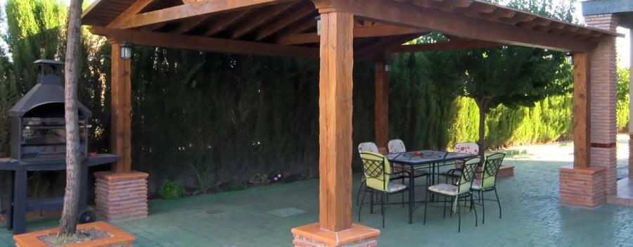 25 برجولة خشبية ستحمسك لإنشاء واحدة في فناء منزلك بالتأكيد
