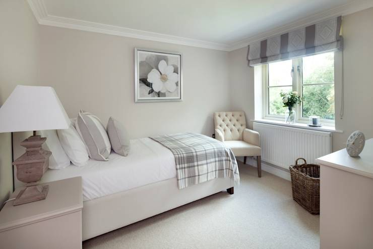 country Bedroom by Emma & Eve Interior Design Ltd