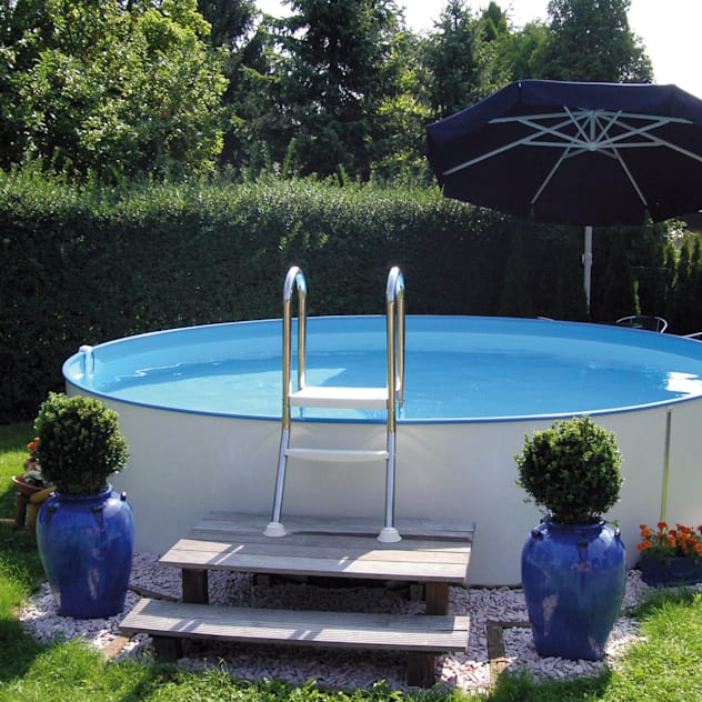 Piscinas de estilo clásico de Pool + Wellness City GmbH