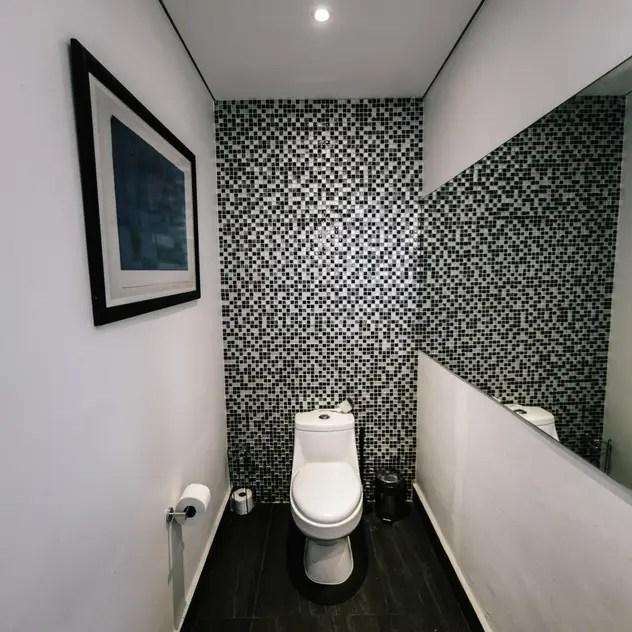 minimalistic Bathroom by gOO Arquitectos
