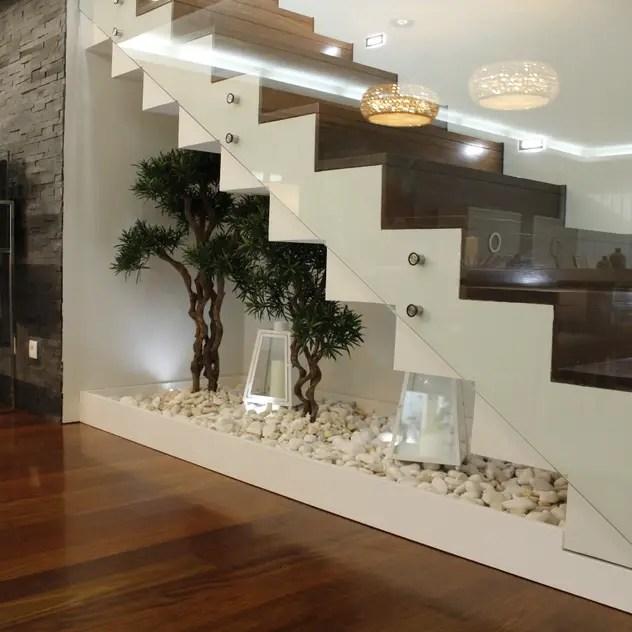 Deixe sua casa com toque moderno - escada com vidro, jardim de inverno