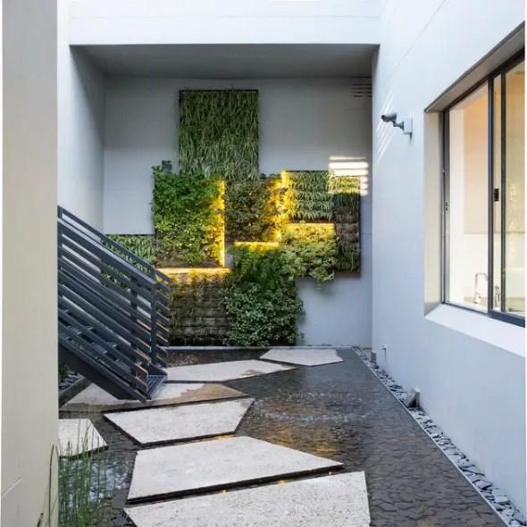 Vườn by Nico Van Der Meulen Architects