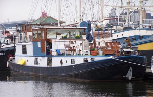 Passenger Ship Maria Alberta at BedandBreakfastworld.com