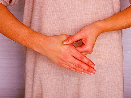 Hand reflexology: the amazing 'headache-relief' hand massage!