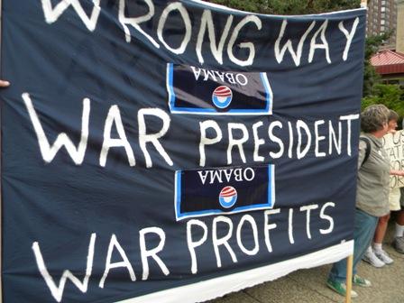 2011-09-01-obamaatAmerLegionWrongWayWarPresidentweb.JPG