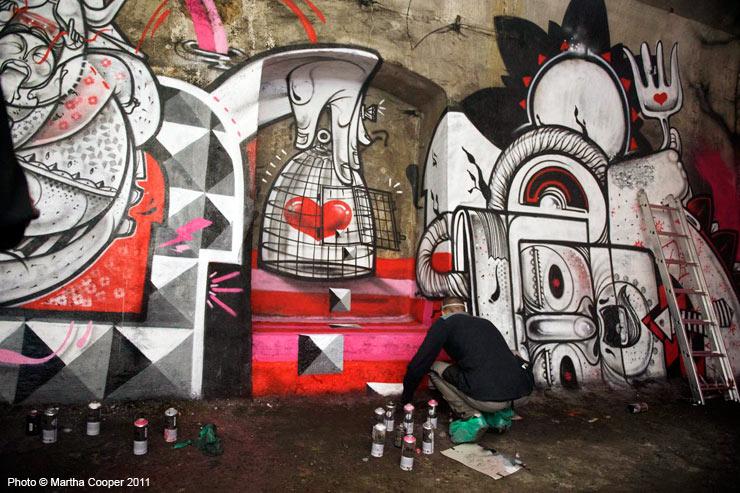 2011-11-20-brooklynstreetartWEBCCmarthacooperparisunderbellyHowNosm1111.jpg