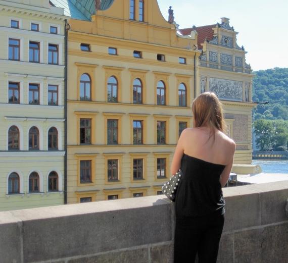 2014-06-19-Praguegirlonbridge.JPG