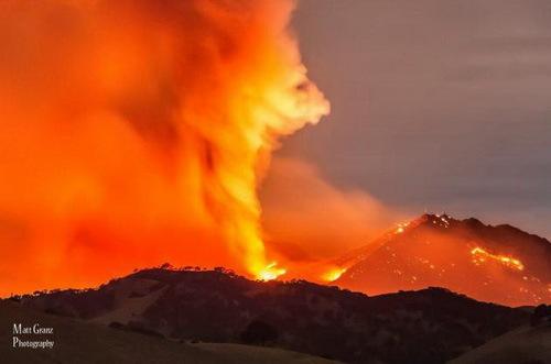 2014-06-20-wildfirevortex500MorganFireNEofSFcredMattGranzcourtesytwittersacramentoNationalWeatherService_resize.jpg