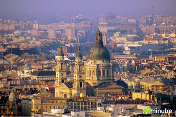 2014-07-03-BudapestRaquelRey.jpg