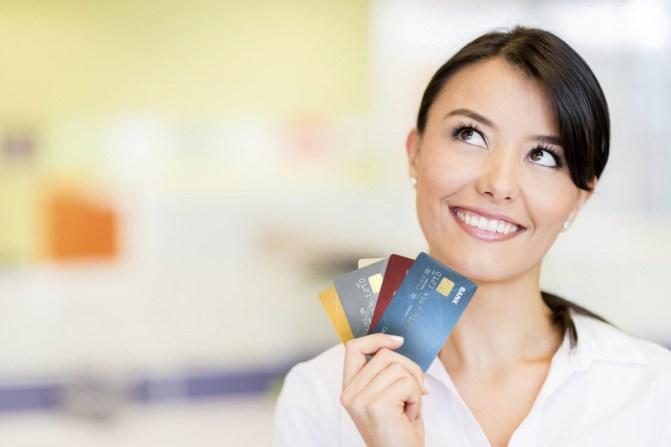 תוצאת תמונה עבור woman with a credit card