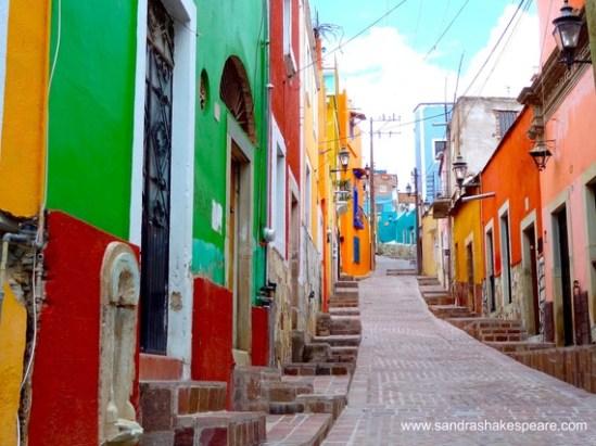 2016-03-07-1457347043-8484874-GuanajuatostreetsC.jpg