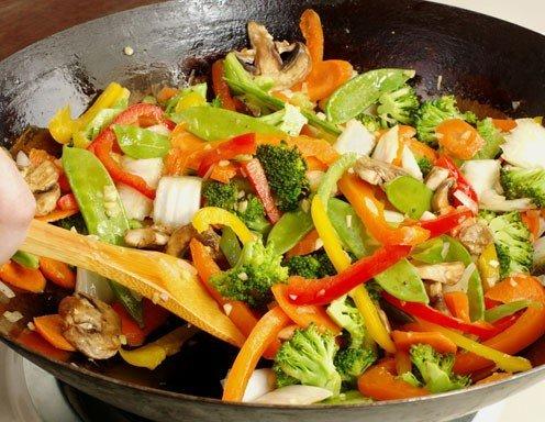 Schneller Tofu-Gemüse-Wok