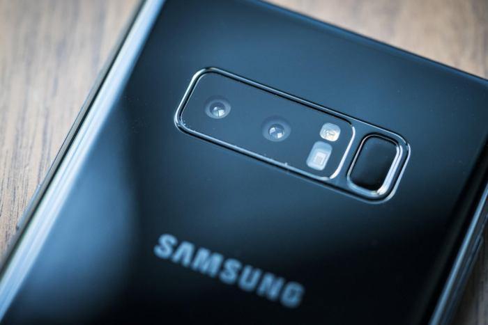 Samsung Galaxy Note 8 camera close up