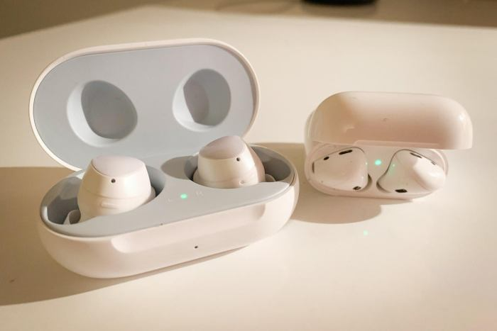 galaxy buds airpods open 2