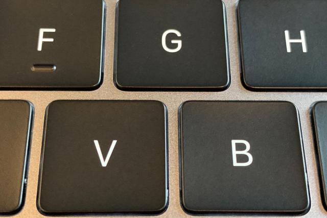 13in 2019 14ghz mbp keyboard keys